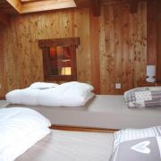 Chambre 4 avec fenêtre de toit