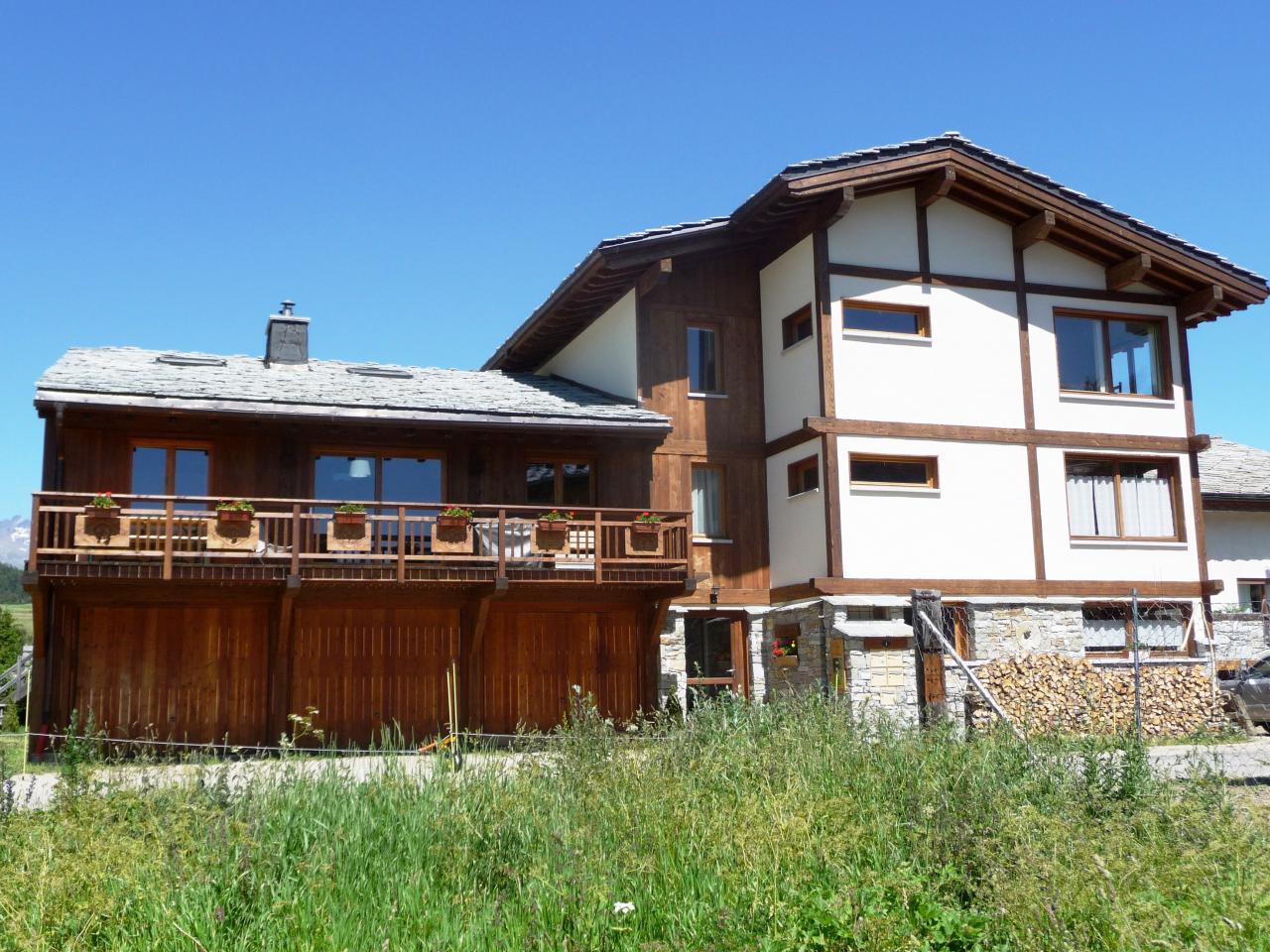 Notre maison for Balcon facade maison